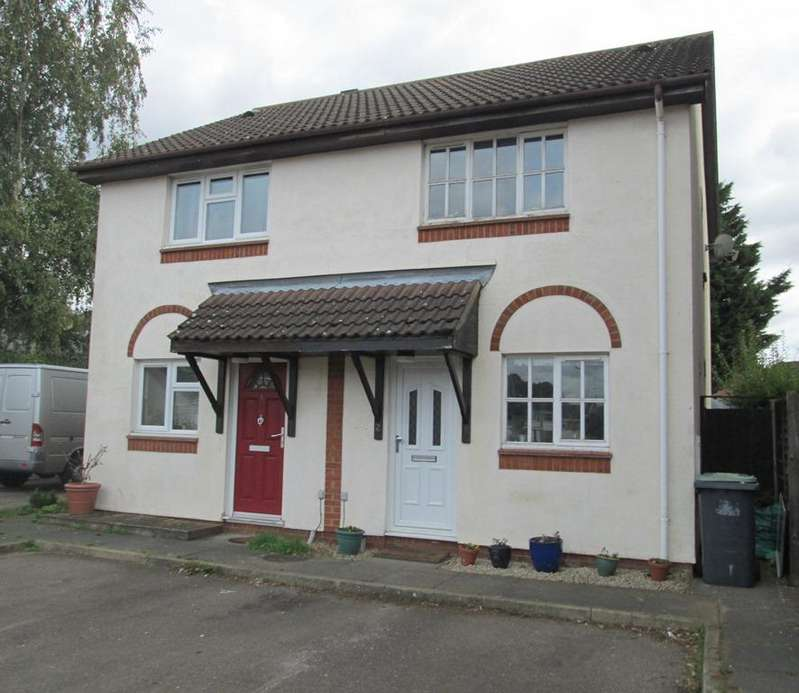 2 Bedrooms Semi Detached House for sale in Paddocks Chase, Potton SG19