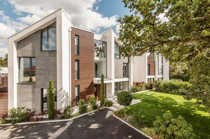 5 Bedrooms Detached House for sale in Uphill Road, Mill Hill