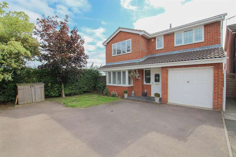 4 Bedrooms Detached House for sale in Dean Way, Aston Clinton