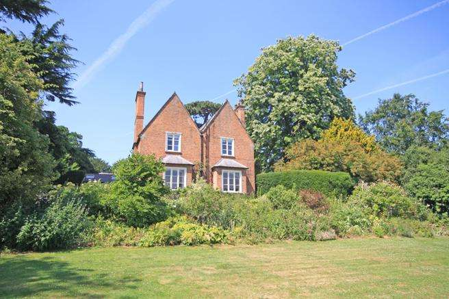 5 Bedrooms Unique Property for sale in The Old Vicarage, Church Lane, Maplebeck, Nottinghamshire NG22 0BS