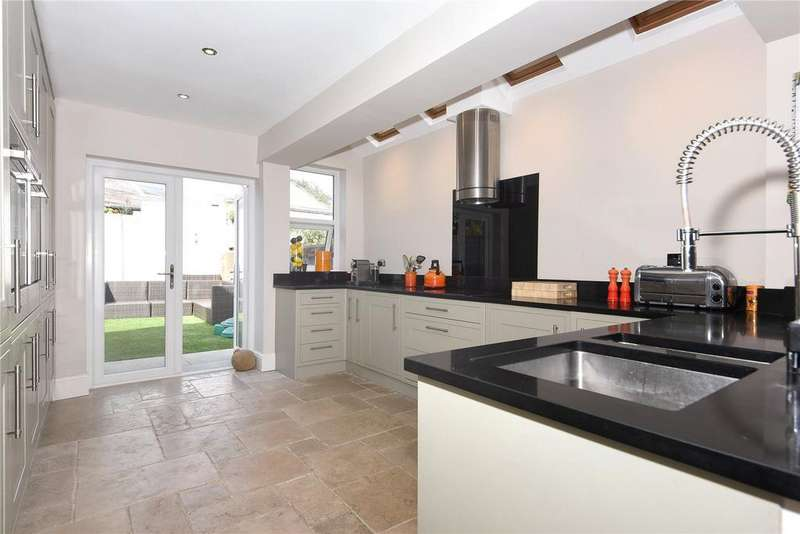 3 Bedrooms End Of Terrace House for sale in Bourne Avenue, Windsor, Berkshire, SL4