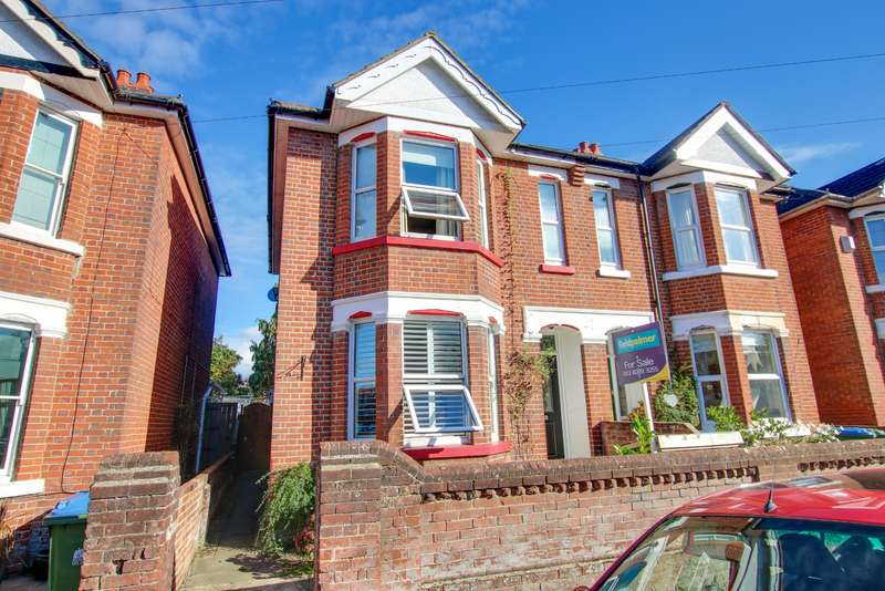 3 Bedrooms Semi Detached House for sale in Hazeleigh Avenue, Woolston