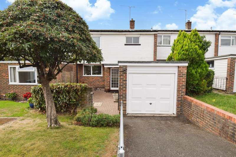 3 Bedrooms Terraced House for sale in Ashcroft Court, Burnham, SL1