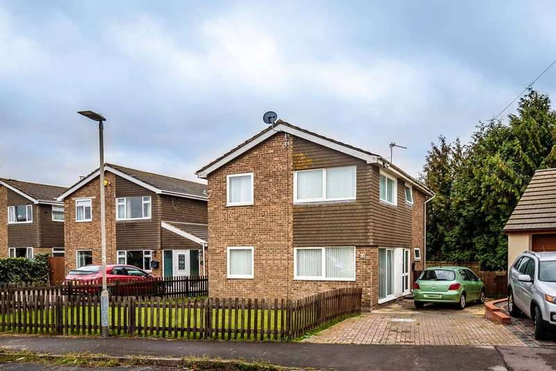 4 Bedrooms Detached House for sale in Dean Court, Lydney