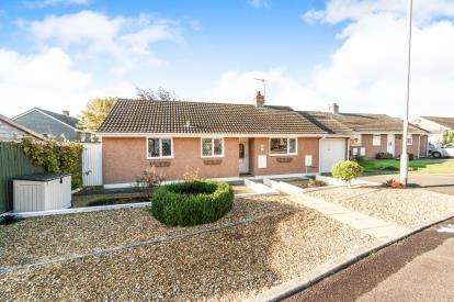 3 Bedrooms Bungalow for sale in Torpoint, Cornwall, England