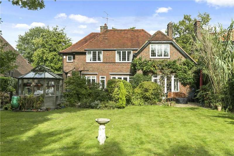 4 Bedrooms Detached House for sale in Ganghill, Guildford, Surrey, GU1