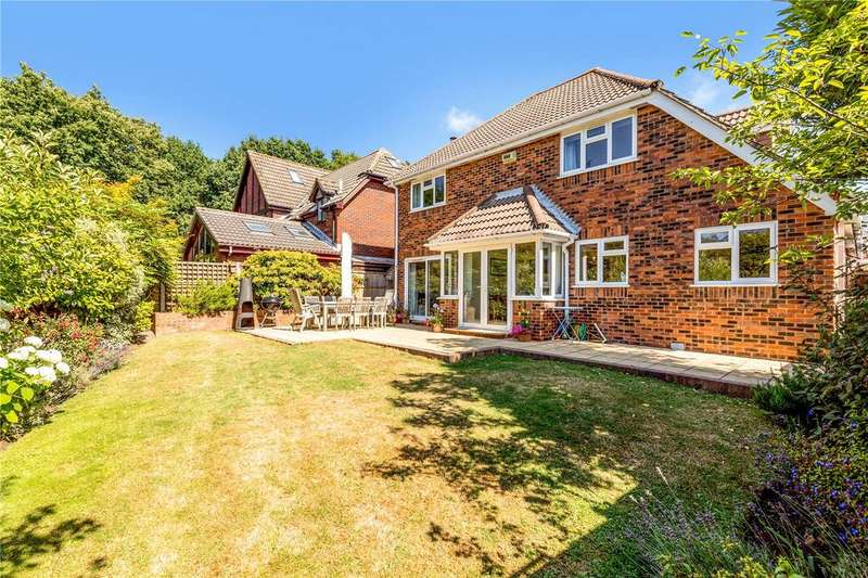 4 Bedrooms Detached House for sale in Old Priory Close, Hamble, Southampton, SO31