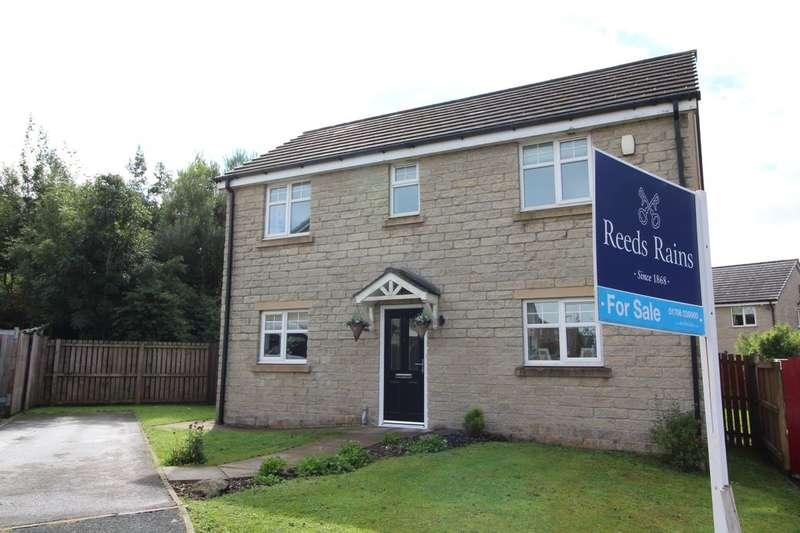 3 Bedrooms Detached House for sale in Woodlark Close, Bacup, OL13