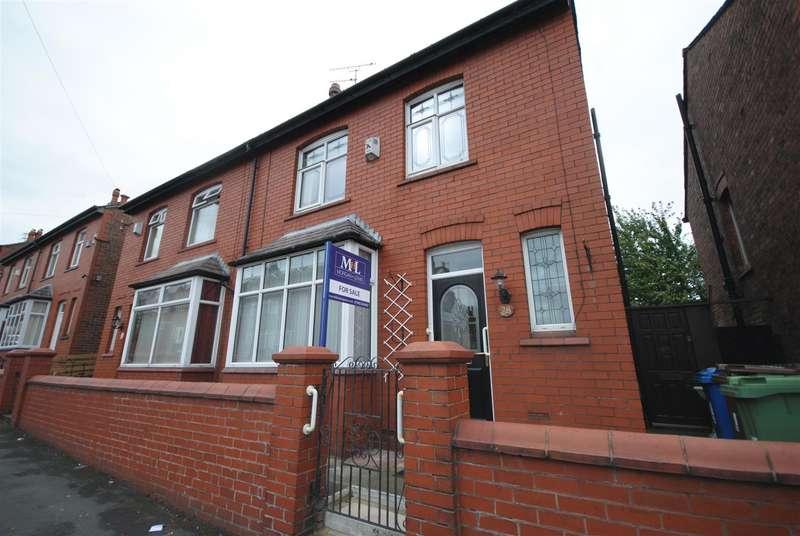 3 Bedrooms Semi Detached House for sale in Wrightington Street, Swinley, Wigan
