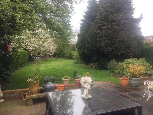 4 Bedrooms Detached House for sale in Coleshill Heath Road, Marston Green