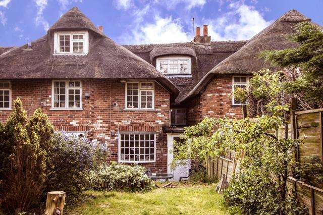 4 Bedrooms House for sale in Chapel Street, Thatcham, RG18