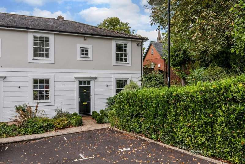 3 Bedrooms End Of Terrace House for sale in Constable's Gate, Winchester, SO23