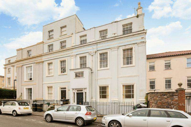 2 Bedrooms Apartment Flat for sale in Gordon Road, Clifton