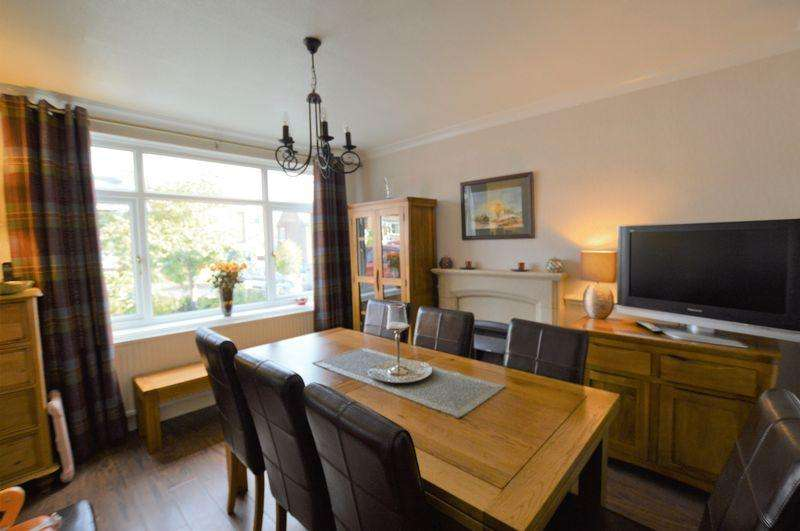 4 Bedrooms Detached House for sale in Heald Close, Littleborough