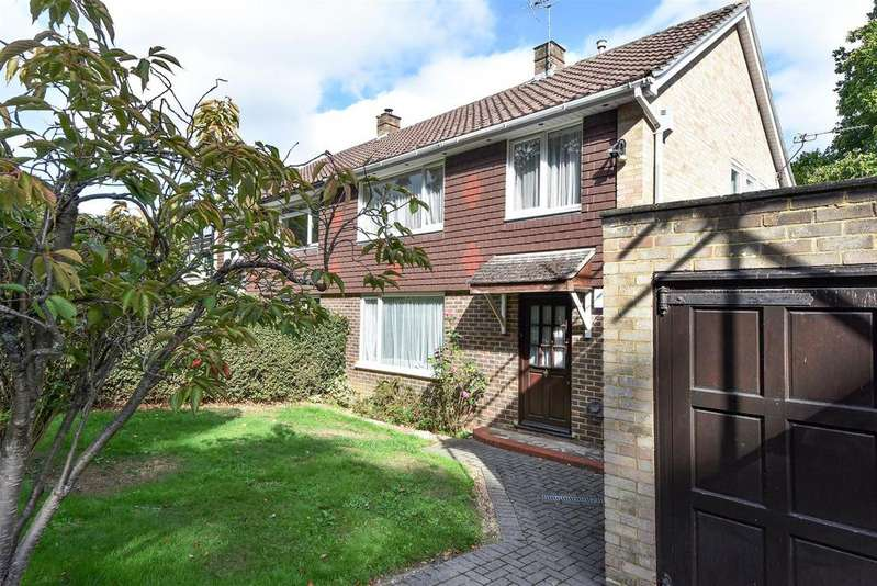3 Bedrooms Semi Detached House for sale in Lily Hill Road, Bracknell, Berkshire RG12 2RX