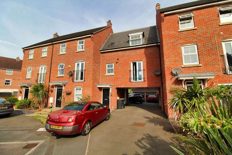 2 Bedrooms Maisonette Flat for sale in Griffiths Way, Hucknall NG15