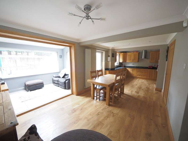 3 Bedrooms Detached House for sale in Scarteen Close, Guisborough TS14