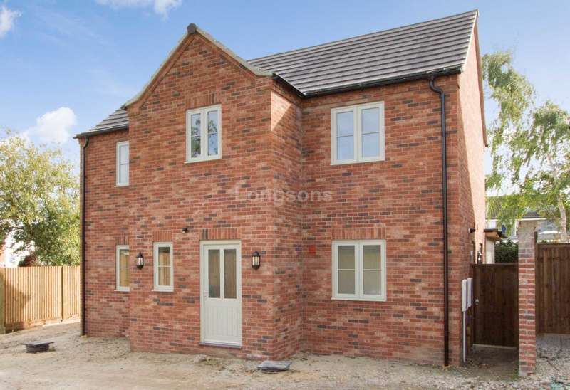 4 Bedrooms Detached House for sale in Station Street, Swaffham