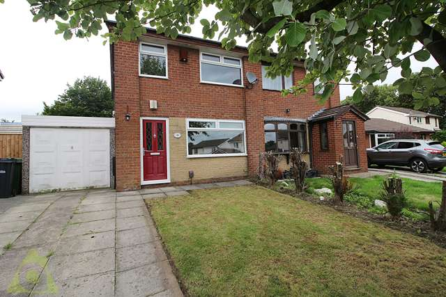 3 Bedrooms Semi Detached House for sale in Beatty Drive, Westhoughton, BL5
