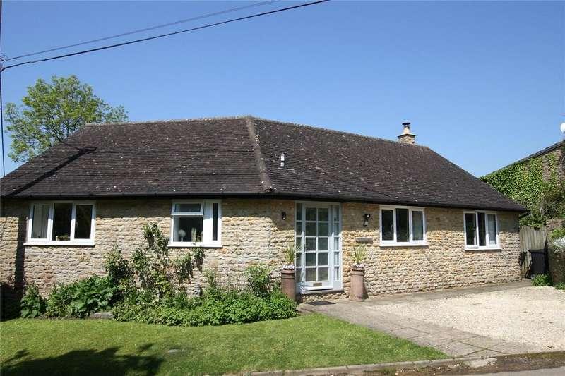 3 Bedrooms Detached Bungalow for sale in Babwell Road, Cucklington, Wincanton, Somerset, BA9