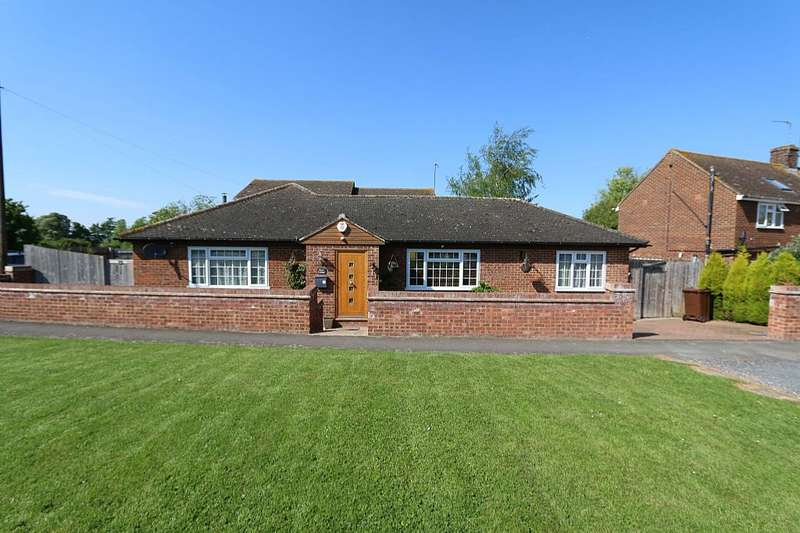 3 Bedrooms Detached Bungalow for sale in Manor Road, Cheddington, LEIGHTON BUZZARD, Bedfordshire, LU7 0RP