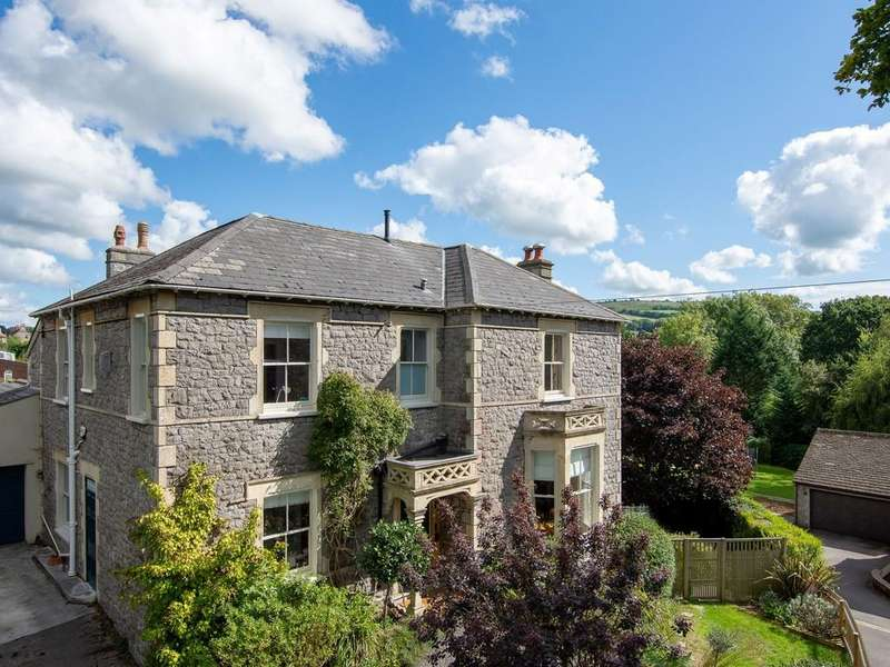 5 Bedrooms Detached House for sale in Period home in Winscombe