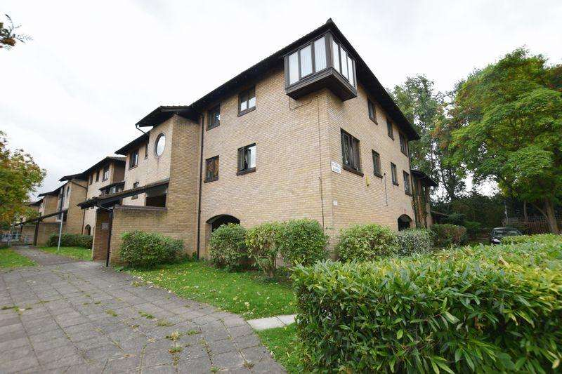 2 Bedrooms Apartment Flat for sale in Pointer Close, North Thamesmead, SE28 8PN