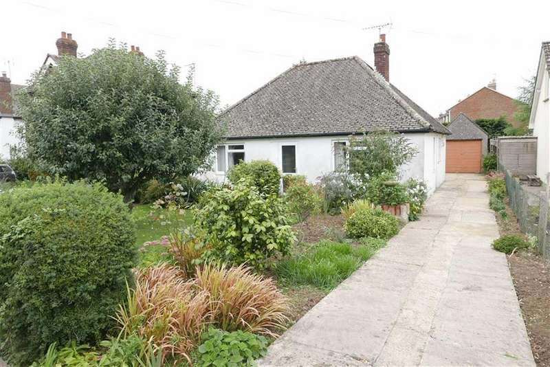 2 Bedrooms Detached Bungalow for sale in The Quarry, Cam, Dursley, GL11
