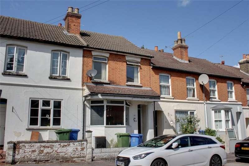 3 Bedrooms Terraced House for sale in Cavendish Road, Aldershot, Hampshire, GU11