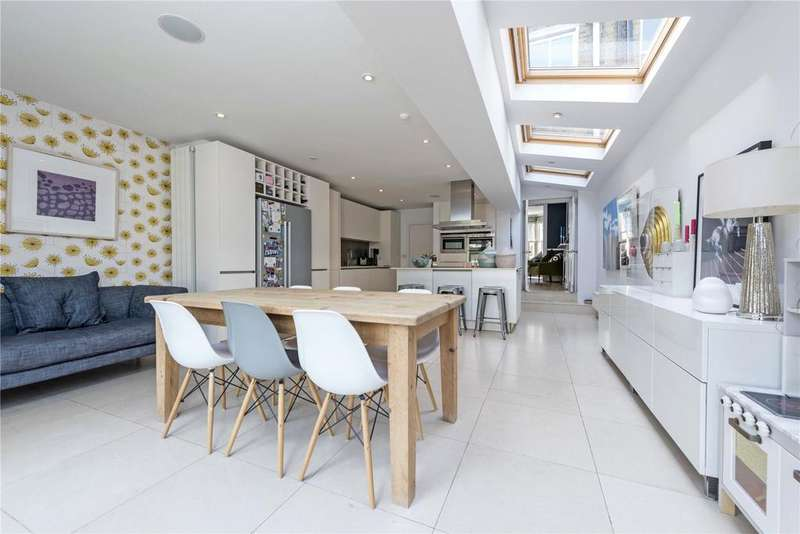 4 Bedrooms Terraced House for sale in Ramsden Road, Nightingale Triangle, SW12