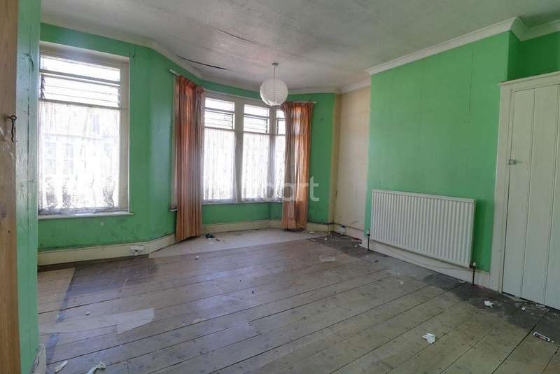 2 Bedrooms Terraced House for sale in Brook Road, BS16