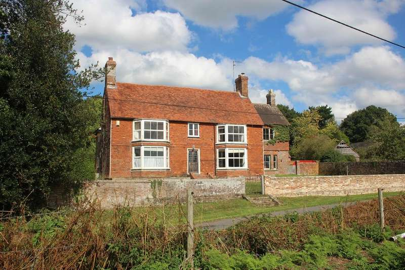 5 Bedrooms Detached House for sale in Hobbs Farmhouse, Hobbs Lane, Beckley, East Sussex, TN31 6TS
