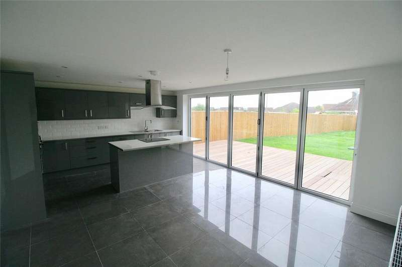 4 Bedrooms Detached House for sale in London Road, Hailsham, East Sussex, BN27