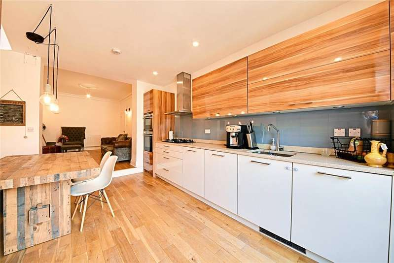 2 Bedrooms Apartment Flat for sale in Denton Road, Hornsey, London, N8