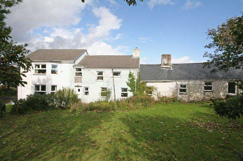 6 Bedrooms Detached House for sale in Trearddur Bay, Anglesey
