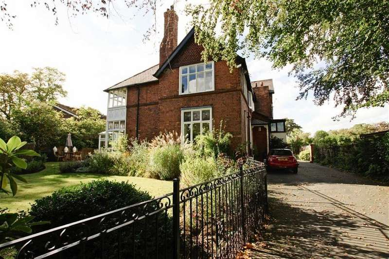 6 Bedrooms House for sale in Moss Lane, SALE