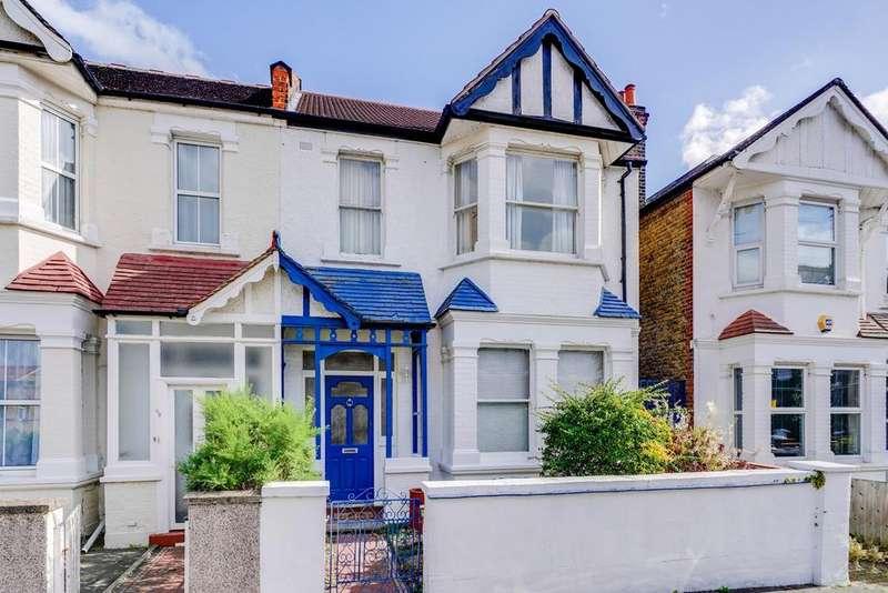 4 Bedrooms Semi Detached House for sale in Kingsdown Avenue, Ealing, W13