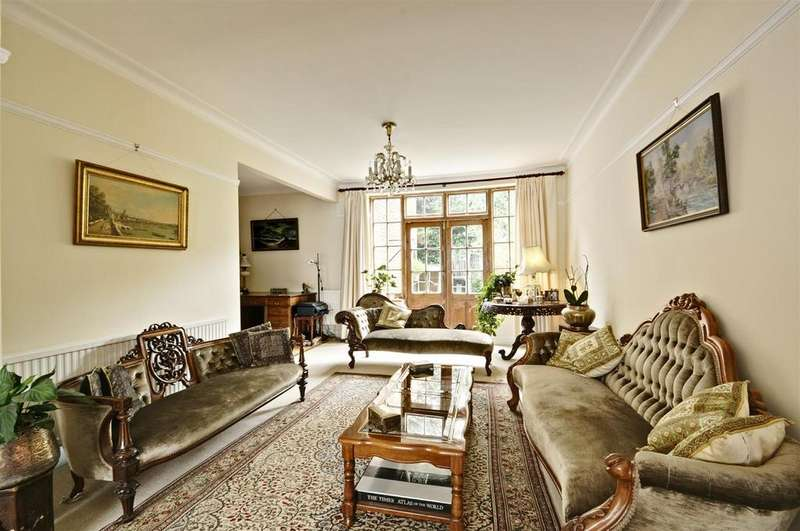 5 Bedrooms House for sale in Gunnersbury Crescent, Acton