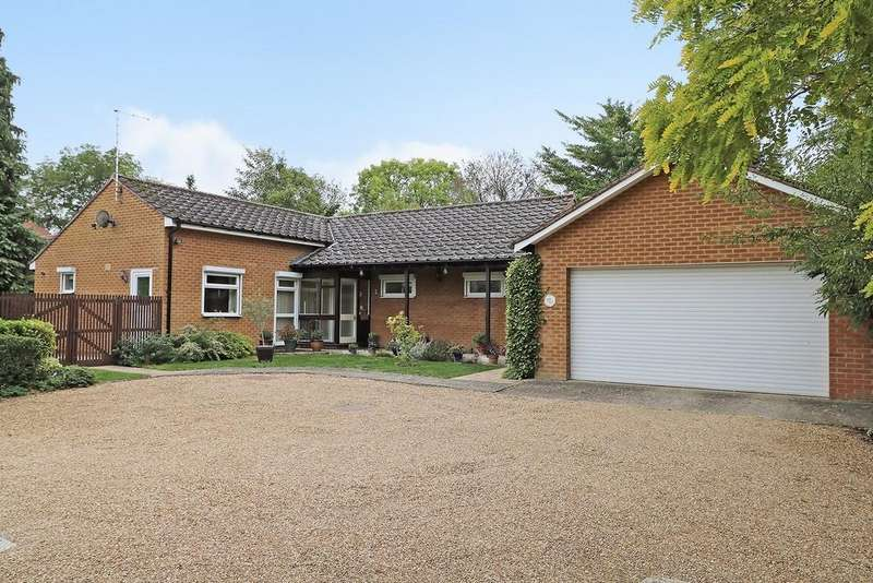 3 Bedrooms Detached Bungalow for sale in Holbrook Road, Cambridge
