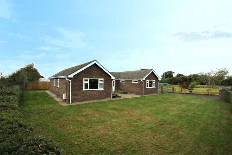 3 Bedrooms Detached Bungalow for sale in Kelvin View, Ashton, CH3 8AA
