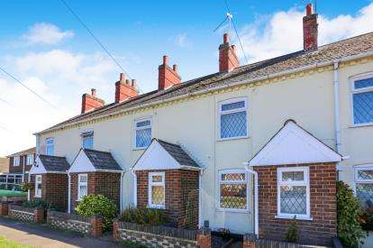 2 Bedrooms Terraced House for sale in Water Lane, Flitwick, Bedford, Bedfordshire