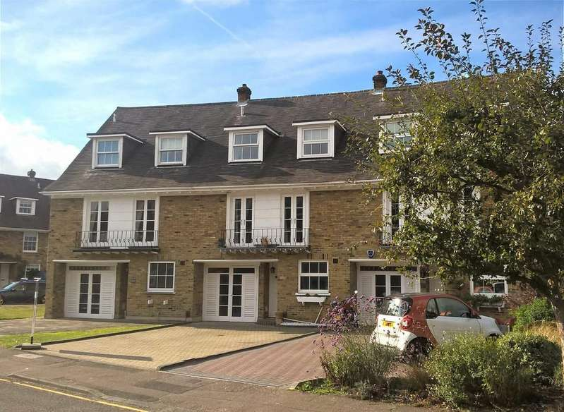4 Bedrooms Terraced House for sale in Theydon Grove, Epping