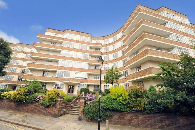 3 Bedrooms Flat for sale in Cholmeley Lodge, Cholmeley Park, Highgate, London, N6