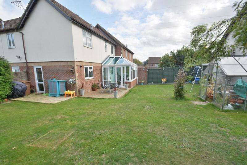 2 Bedrooms Terraced House for sale in Swallowfields, Andover