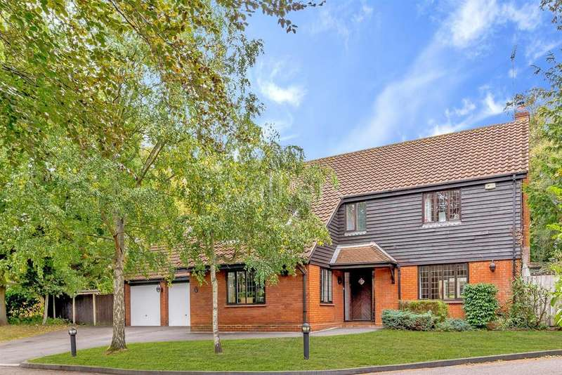 4 Bedrooms Detached House for sale in Chantry Drive, Ingatestone