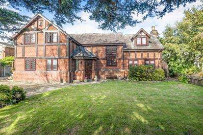 4 Bedrooms Detached House for sale in Jubilee Road, Formby, Liverpool, Merseyside, L37