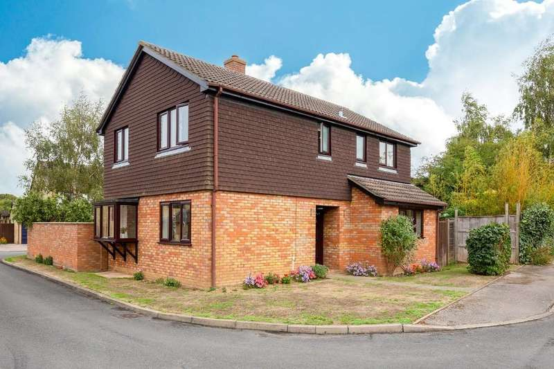 4 Bedrooms Detached House for sale in Townsend Road, Needingworth, St. Ives
