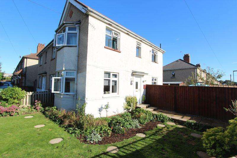 3 Bedrooms Semi Detached House for sale in Chestnut Road, Southampton