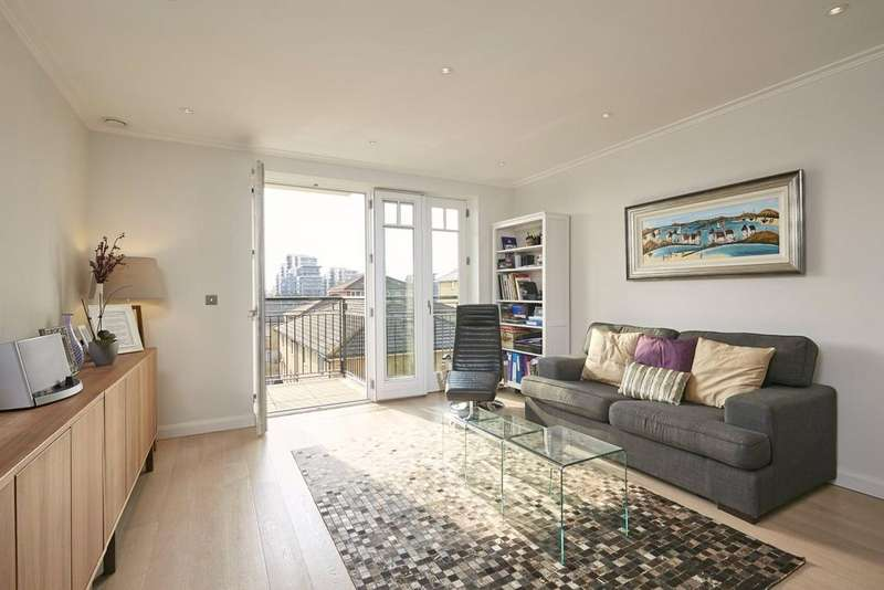 2 Bedrooms Flat for sale in Higham House West, 102 Carnwath Road, London