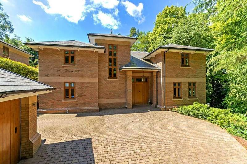 5 Bedrooms Detached House for sale in New Road, Digswell, Hertfordshire